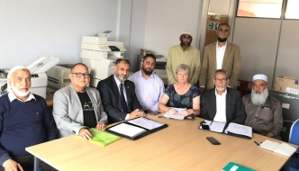 Anne Main discusses Kashmir crisis with local Muslim leaders