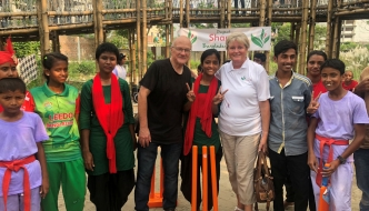 Mike Sherriff and Anne Main MP with children from LEEDO